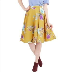 ModCloth Fervour Floral Skirt- Size Small